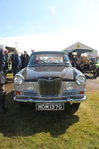 Show - 2015 winner car (2)