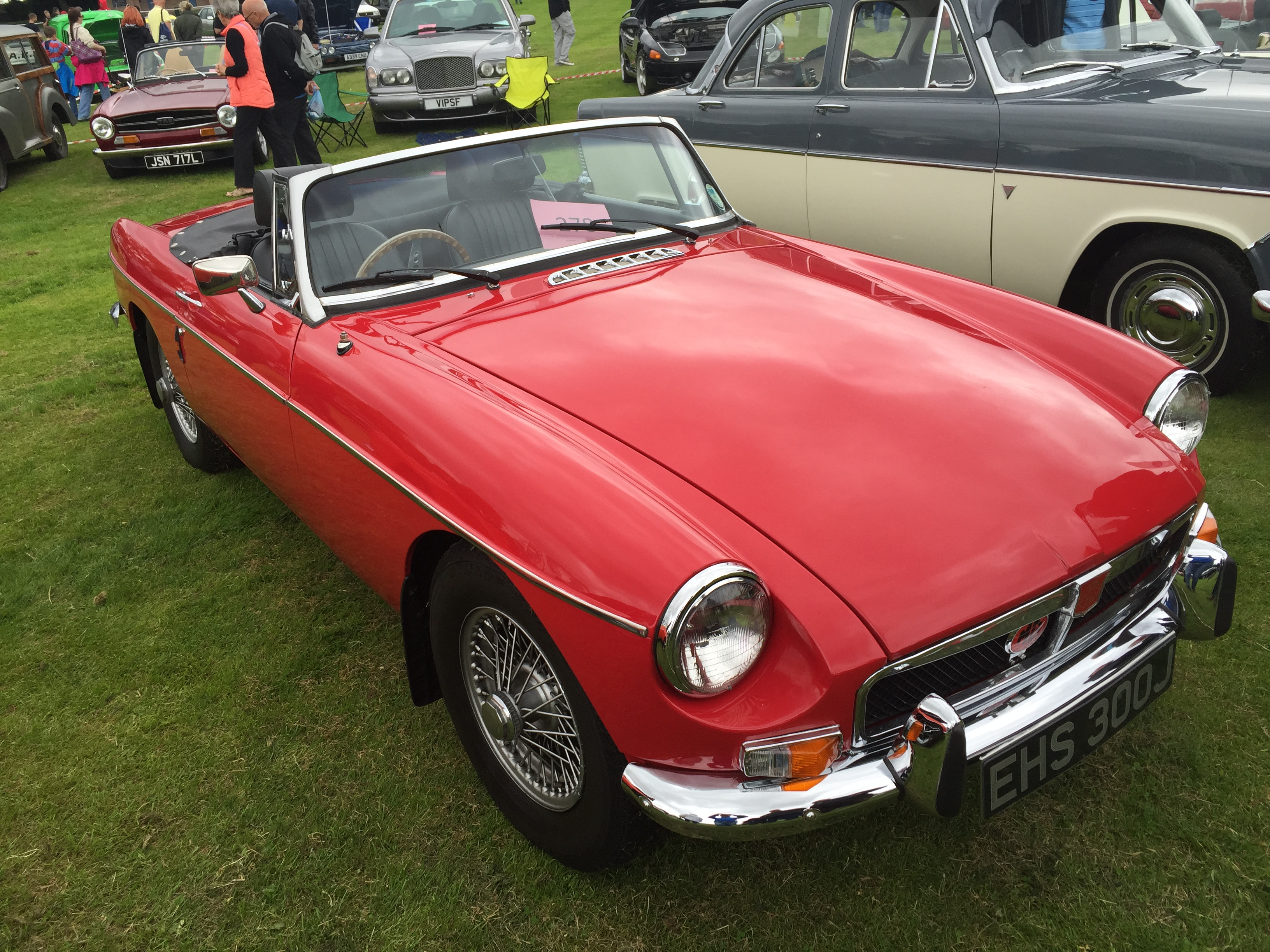 maurice cruikshank s new mgb roadster tayside classic. Black Bedroom Furniture Sets. Home Design Ideas