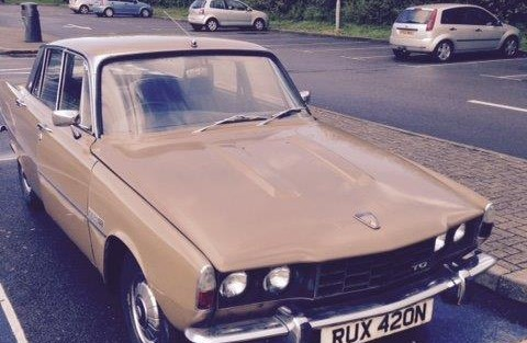 TCCC welcome new member Ken Wright's with his 1974 Rover P6