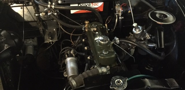 Ally Cruickshank has joined the Moggy Men with his new 1953 split screen Morris Minor with 948 cc engine. He still has his  MG Roadster and 1979 Mini Special 1100