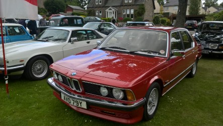 Tony King's cars. First car is a 1982 BMW e23 735i auto, which has been off the road for the last 8 months ( due to ecu problem ), but hopefully should be ready for the coming show season. Second one was bought last year ( as cover for the BMW being out of action ) and it's a 1989 Daimler xj40 with the 3.6ltr engine & auto box.